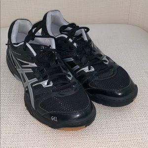 ASICS Women's 10 Volleyball Shoes